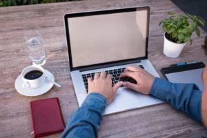 Jak urządzić biuro na małej przestrzeni