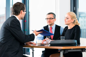 Pożyczka pod zastaw, kredyt w banku a może chwilówka?