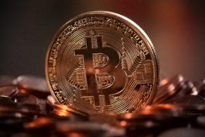 Rynek kryptowalut przyciąga coraz więcej inwestorów.