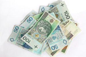 Płaca minimalna 2018: 2100 złotych, a za godzinę 13,70 zł.