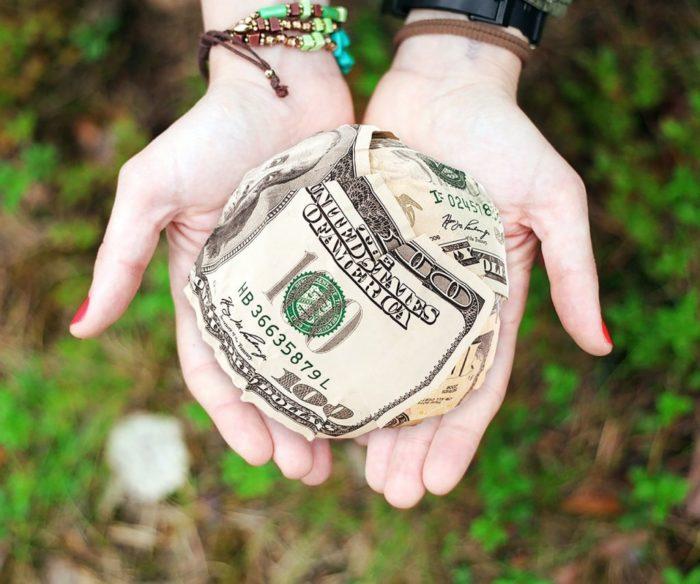 Bill Gates oddał dużą sumę na cale charytatywne