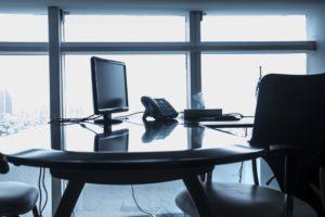 Czym wyróżniają się spółki partnerskie?