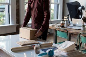 Wysyłanie paczek – dobry pomysł na biznes?