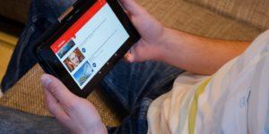 Reklamodawcy coraz częściej sięgają po vlogerów