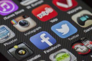 Jak reklamować się na Facebooku