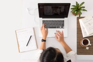 Wystawiaj szybko faktury online VAT,