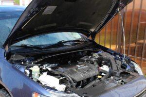 Uszkodzony silnik a odszkodowanie z AC – co warto wiedzieć?